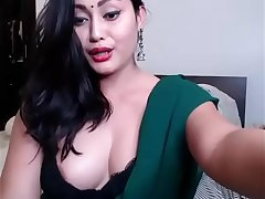 Beautiful Indian Slut On Webcam Sex Show In Saree