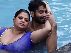 Mallu Porn Actress Reshma In Swimming Pool XXX Video